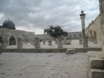 temple-mount-wall-of-old-jerusalem-dome-of-al-aqsa-mosque-in-background