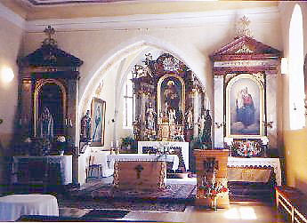 rezab-church-in-jilovice-interior-altar