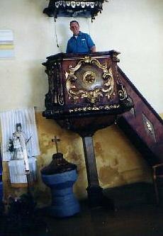 rezab-church-in-jilovice-larry-in-the-pulpit